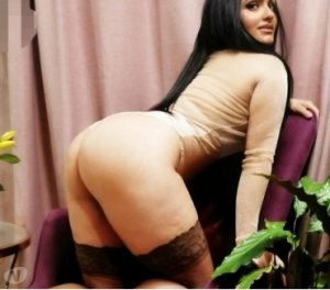 Wijdene escorts in Fortuna, CA